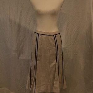 GA1) NEW and has never been worn before skirt